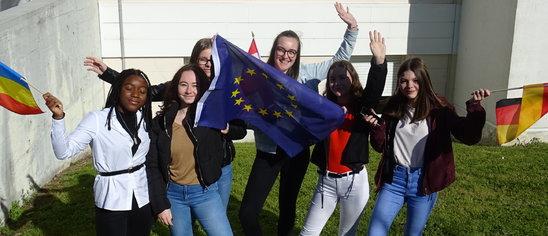Jeunes du Roc et citoyens européens. (Crédit photo : Trinity Paillusson)